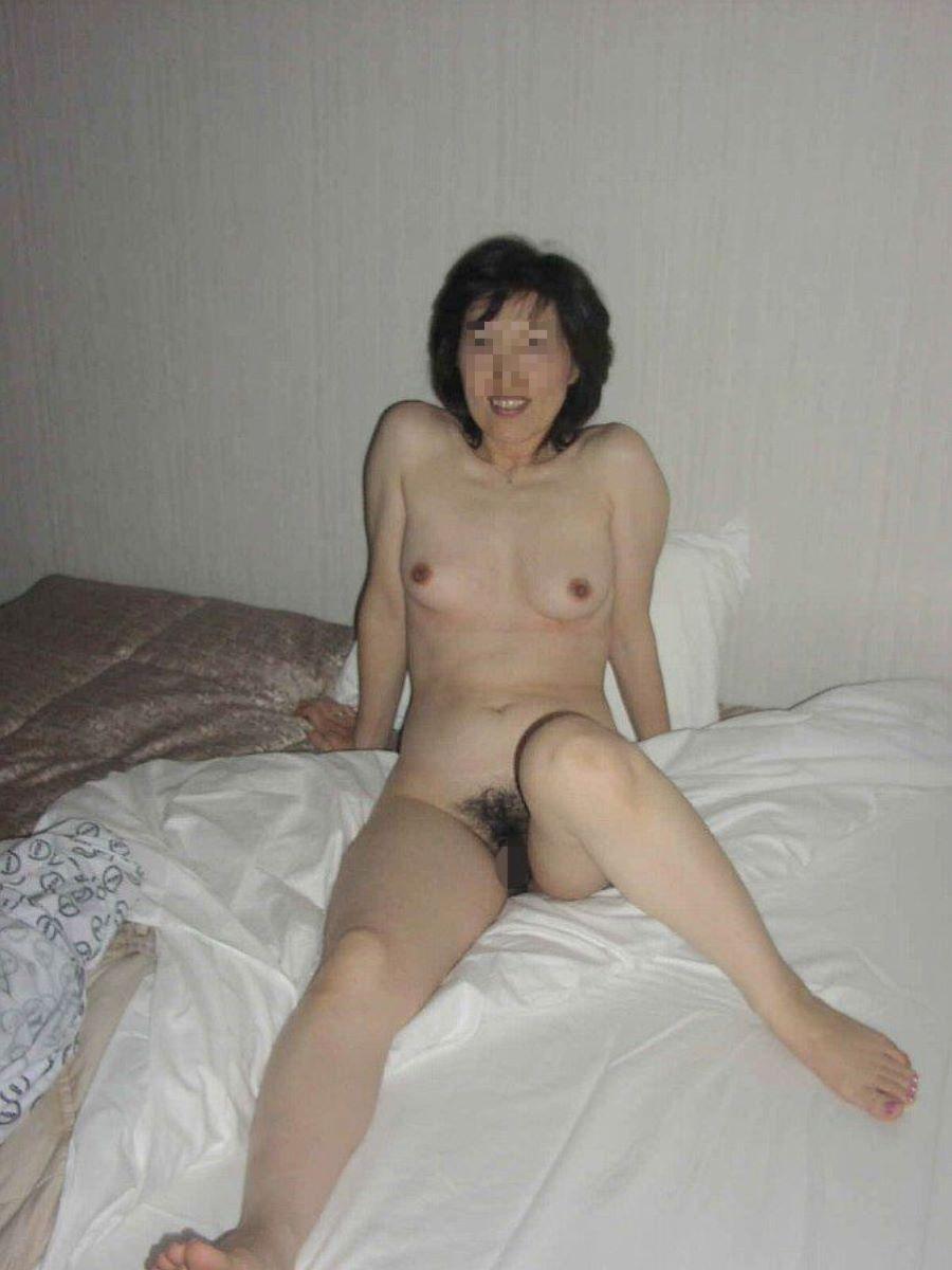 素人 貧乳熟女 エロ画像 86