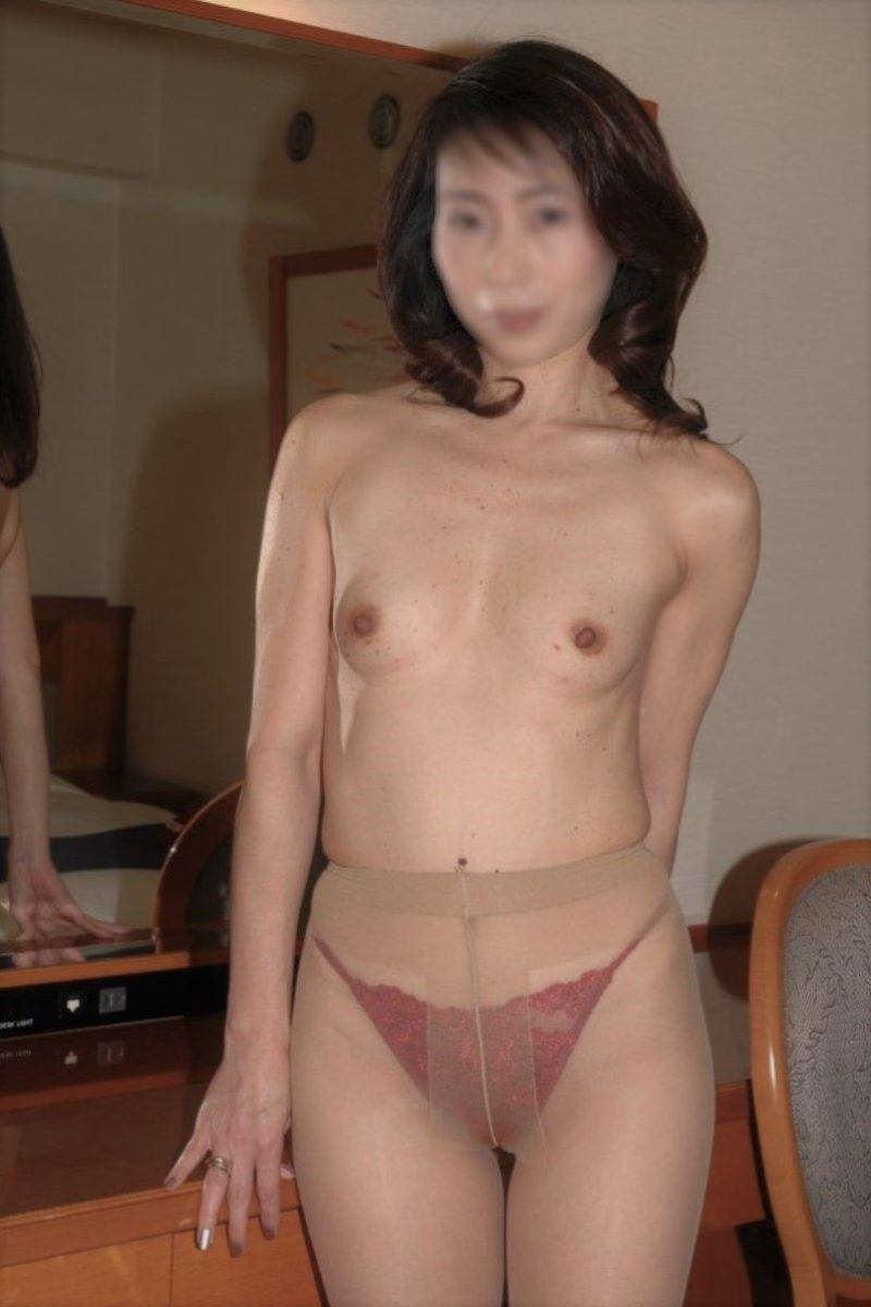 素人 貧乳熟女 エロ画像 89