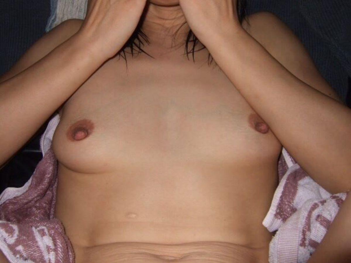 素人 貧乳熟女 エロ画像 90