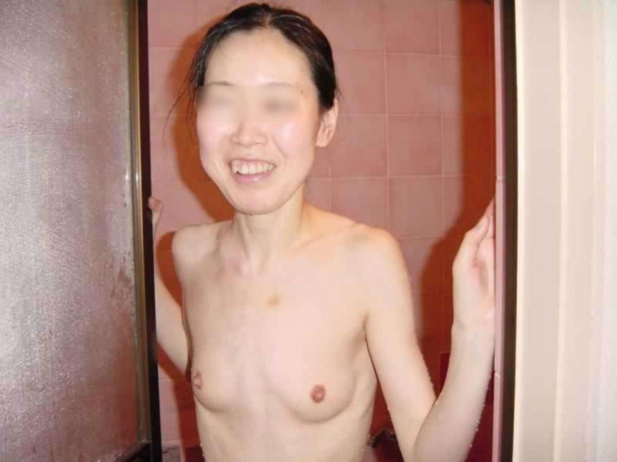 素人 貧乳熟女 エロ画像 108