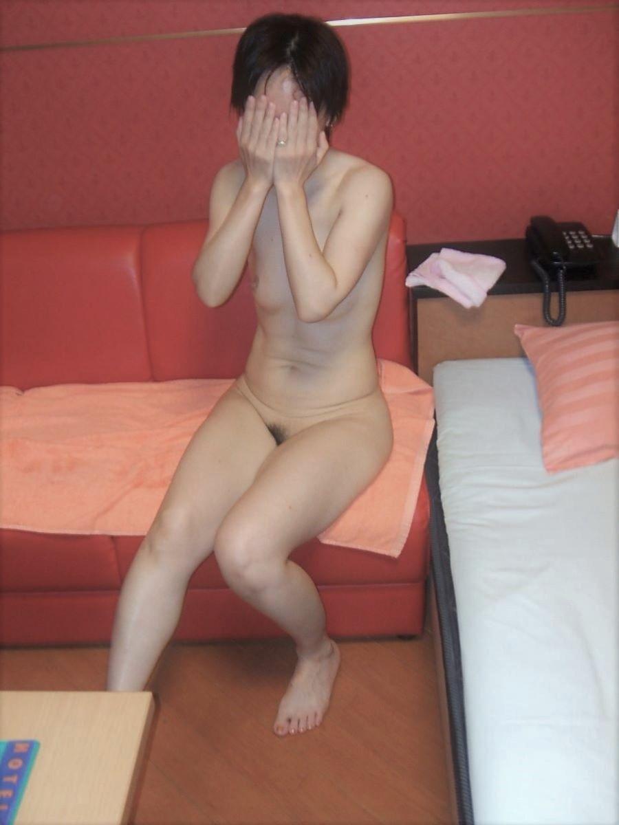 素人 貧乳熟女 エロ画像 123