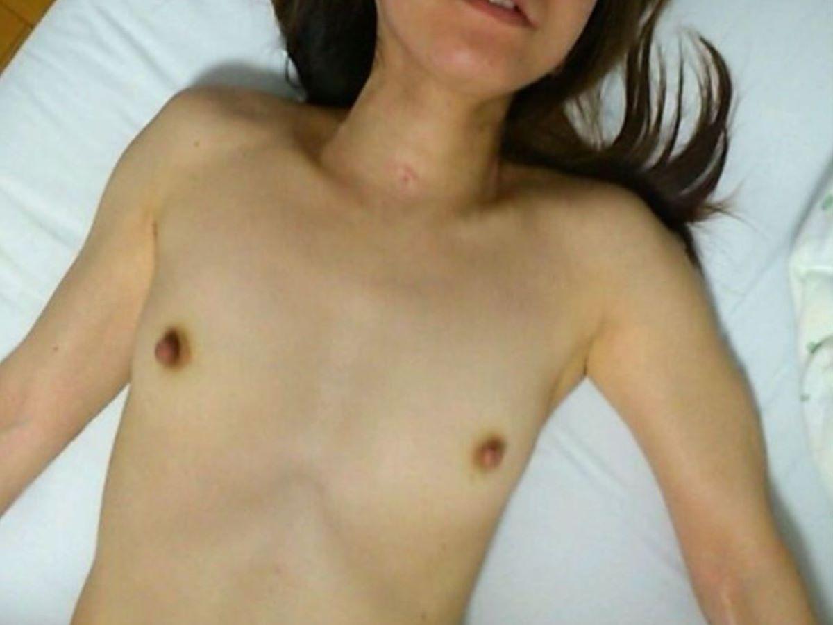 素人 貧乳熟女 エロ画像 147