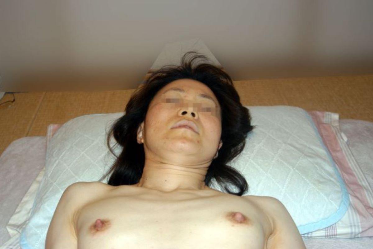 素人 貧乳熟女 エロ画像 150