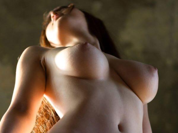 おっぱい 下乳 エロ画像 2