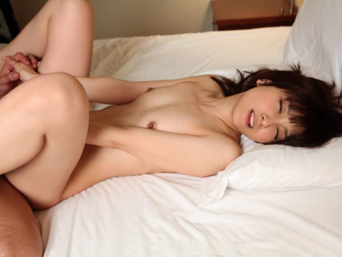 貧乳 セックス 画像 112