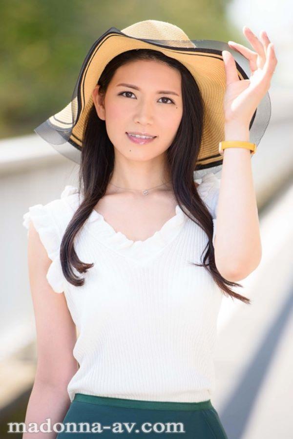 福田涼子 バックダンサーだった人妻のAVデビュー画像