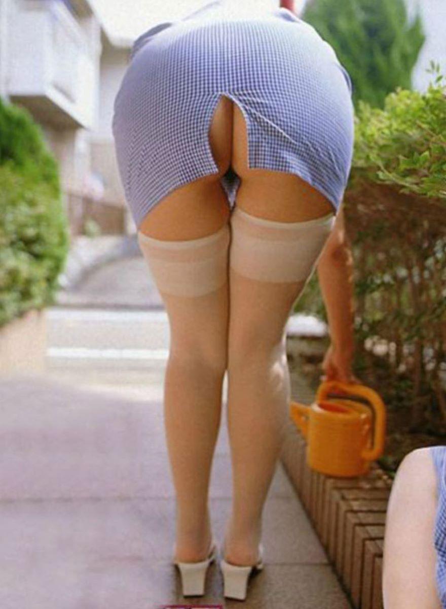 スリット スカート パンチラ画像 33