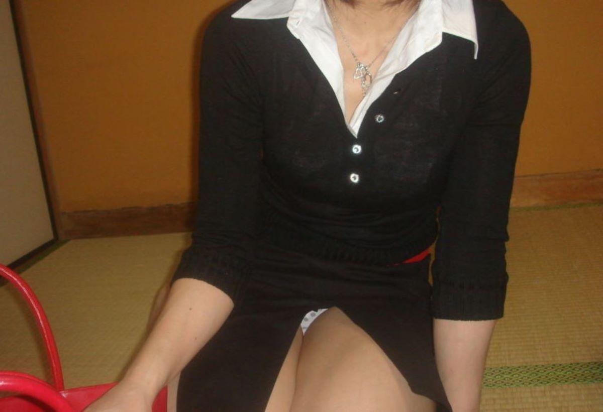 スリット スカート パンチラ画像 56