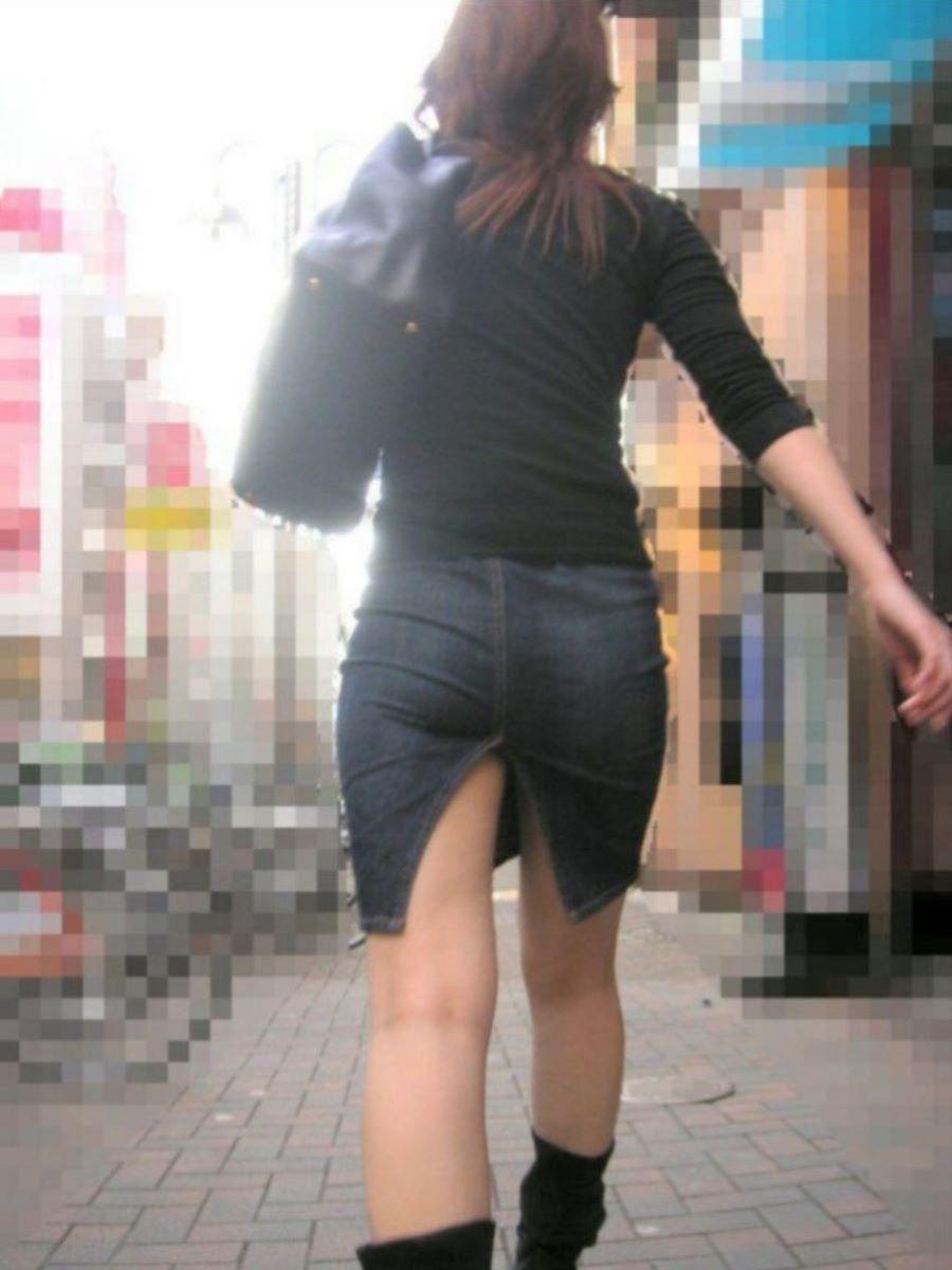 スリット スカート パンチラ画像 61