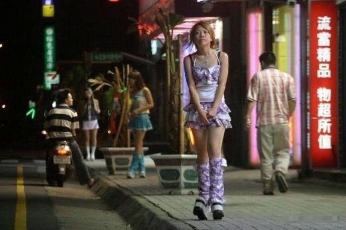 ビンロウ売り 台湾女子 エロ画像 49