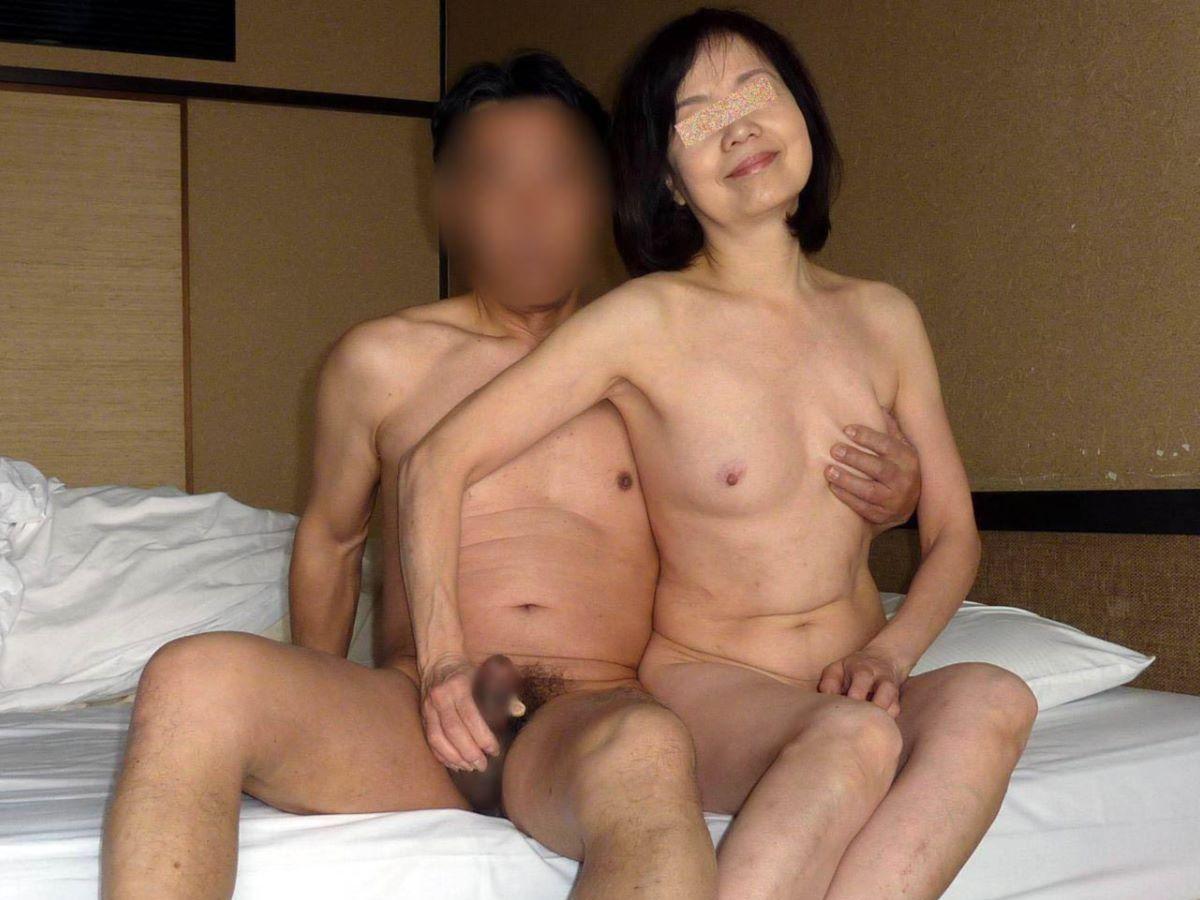 人妻 熟女 手コキ画像 28