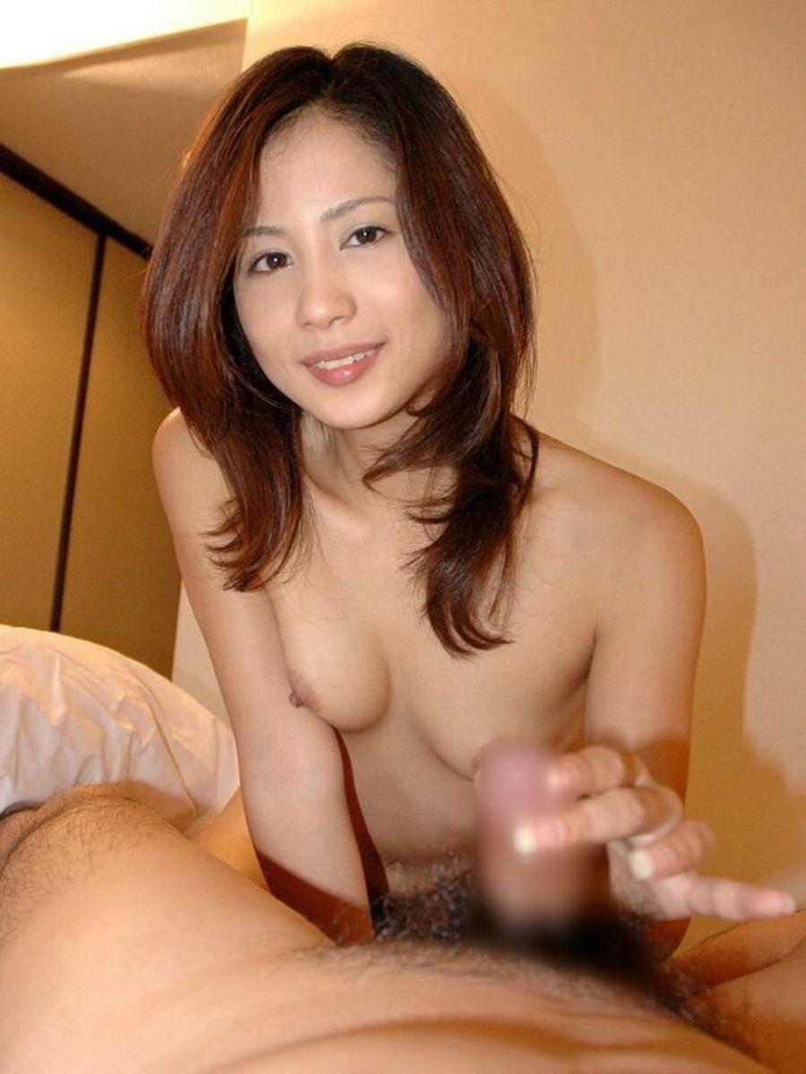 人妻 熟女 手コキ画像 54