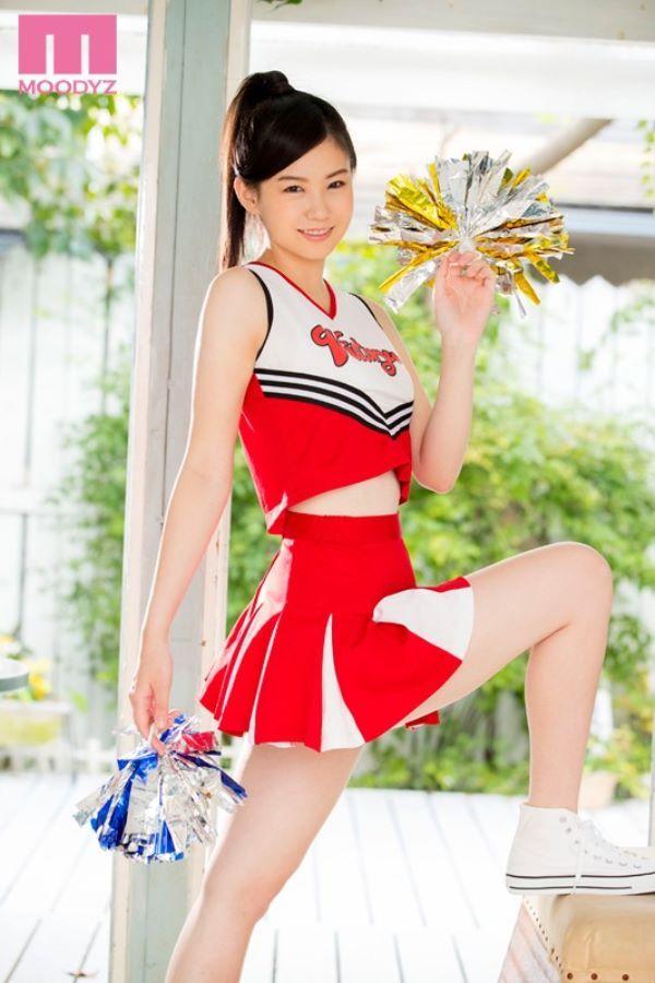 三鷹レイナ 長身チアリーダーのAVデビュー画像