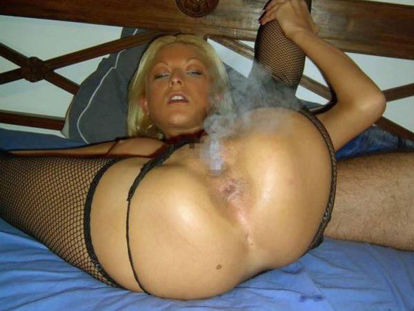 マンコがタバコを吸っているぞ…(※エロ画像あり)
