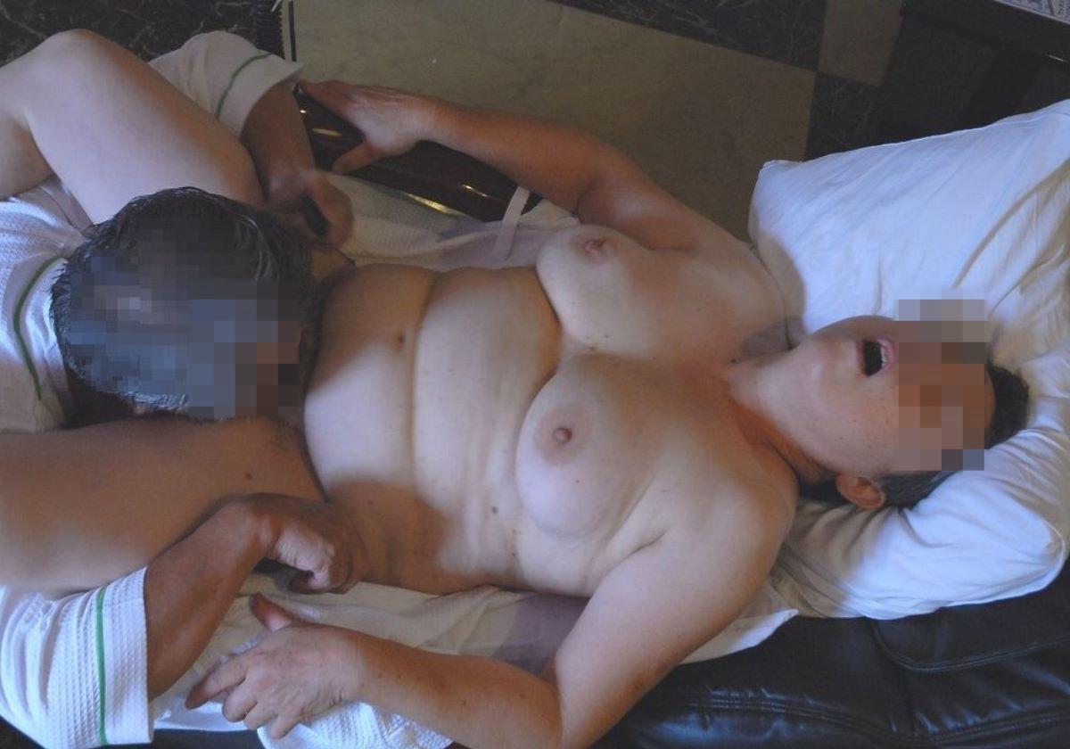 熟女 クンニ 画像 9