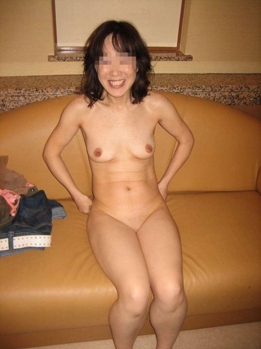 貧乳 スレンダー 熟女画像 34