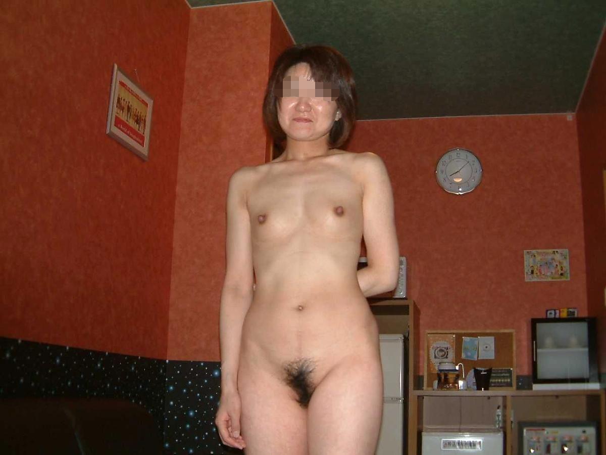 貧乳 スレンダー 熟女画像 64