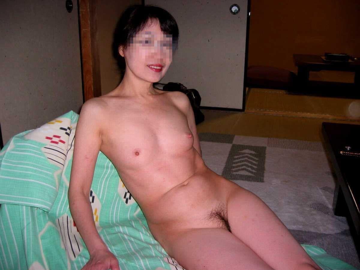 貧乳 スレンダー 熟女画像 68