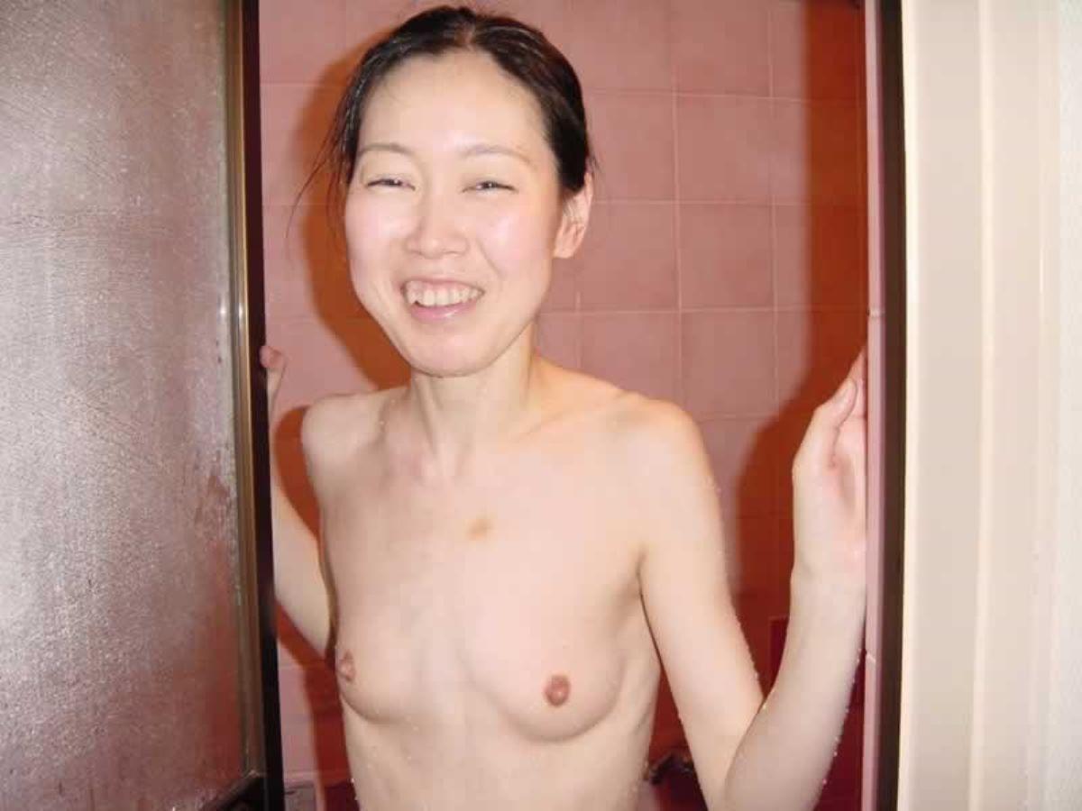 貧乳 スレンダー 熟女画像 76