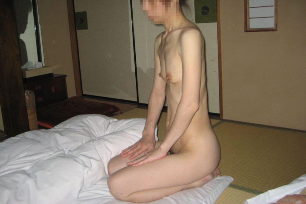 貧乳 スレンダー 熟女画像 96