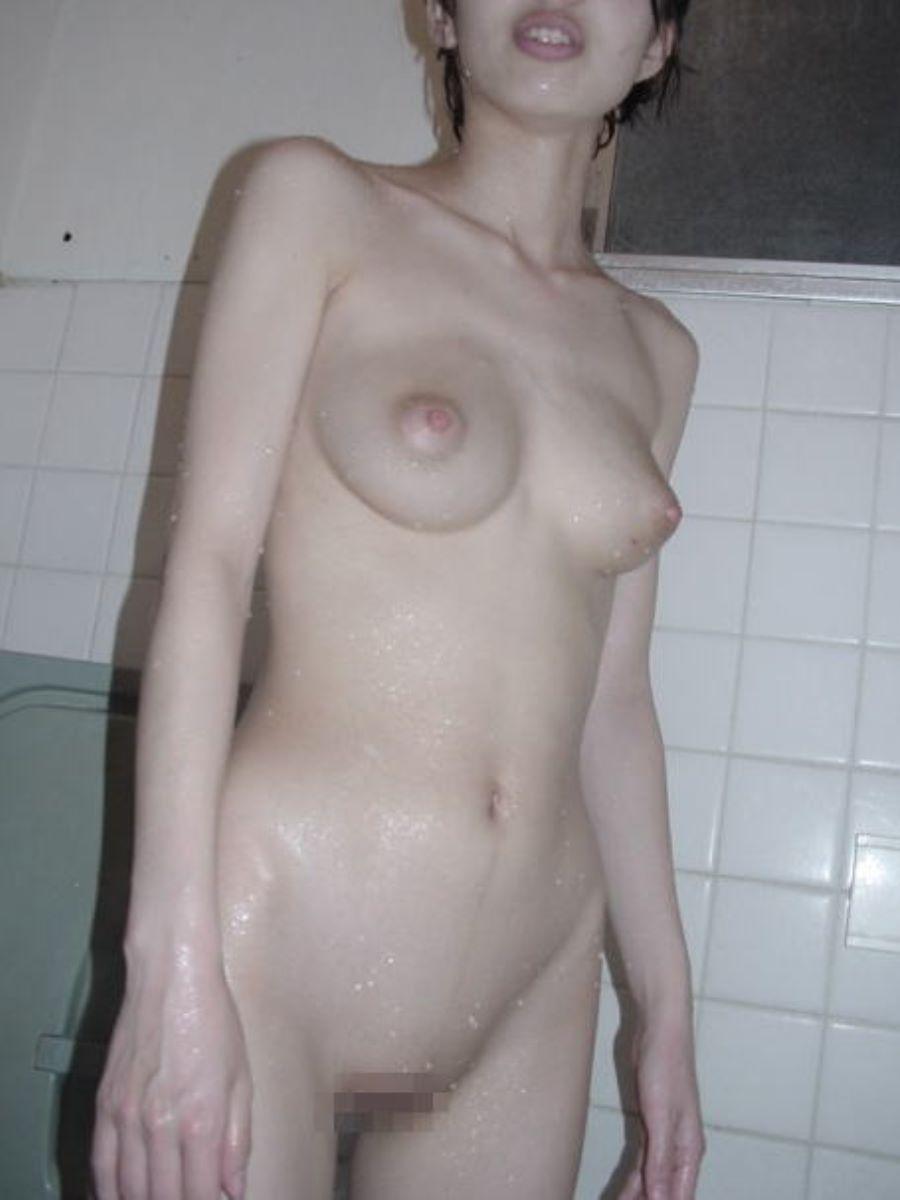 貧乳 スレンダー 熟女画像 112