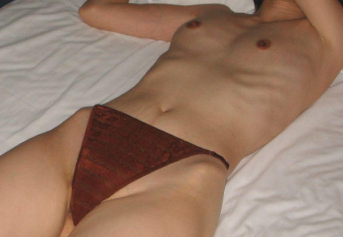 貧乳 スレンダー 熟女画像 114