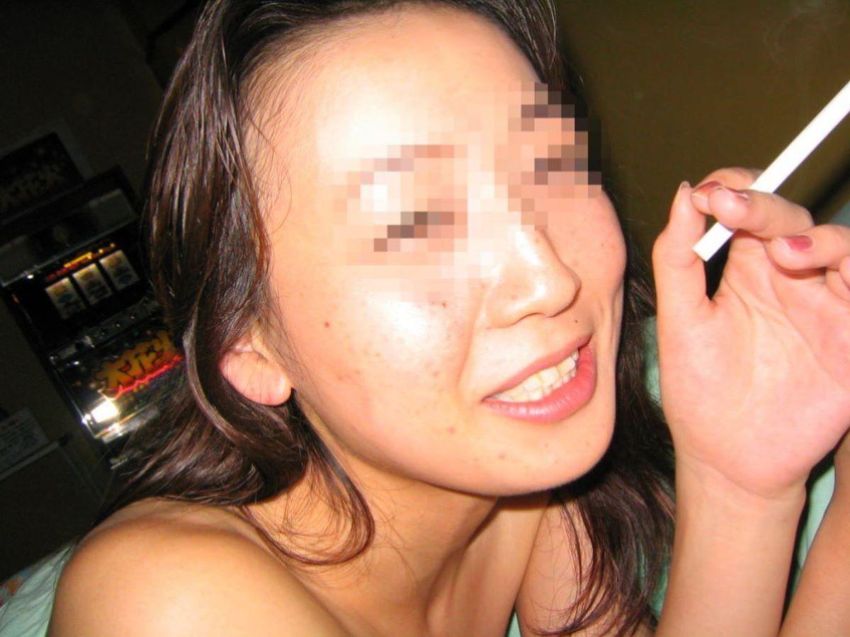彼女 セフレ 喫煙 エロ画像 5