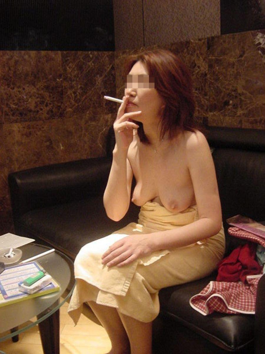 彼女 セフレ 喫煙 エロ画像 19