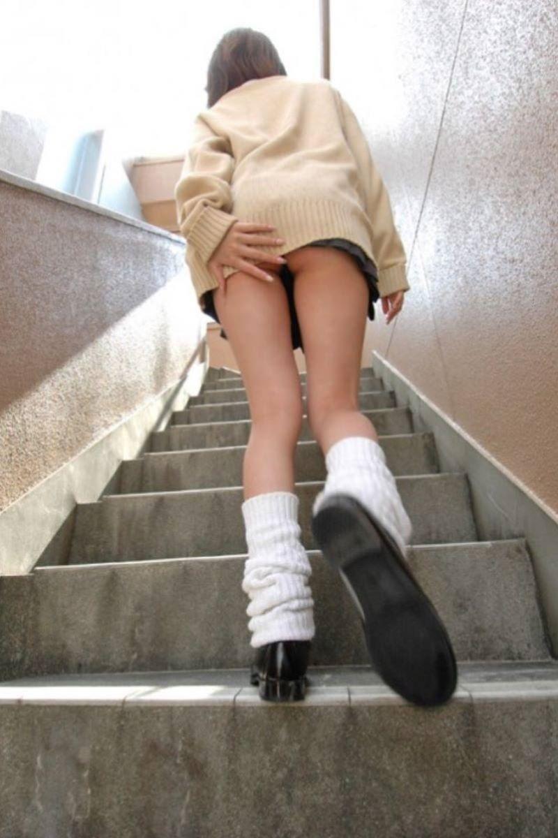 ミニスカJK 階段パンチラ 画像 66