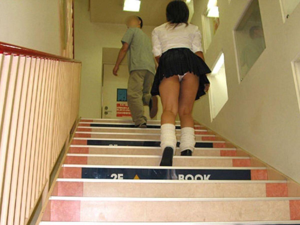 ミニスカJK 階段パンチラ 画像 107