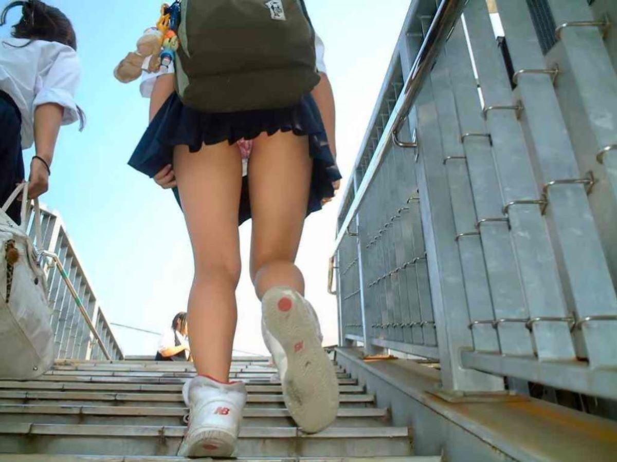 ミニスカJK 階段パンチラ 画像 112