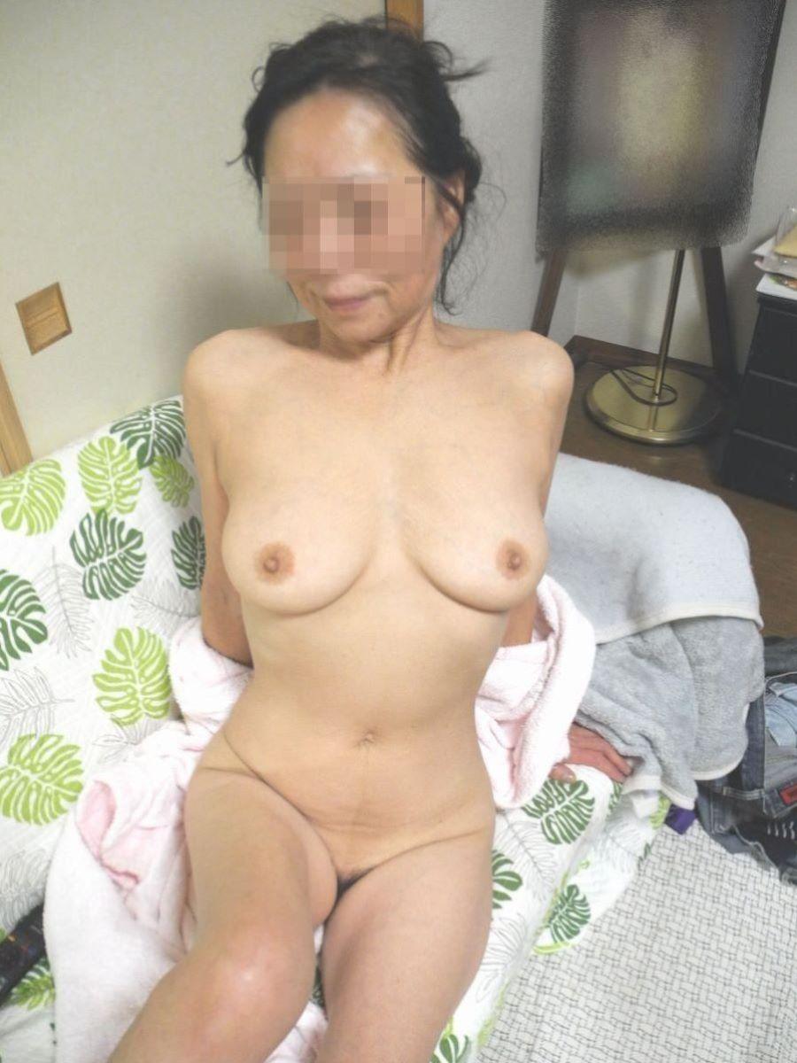 人妻 ヌード 画像 3