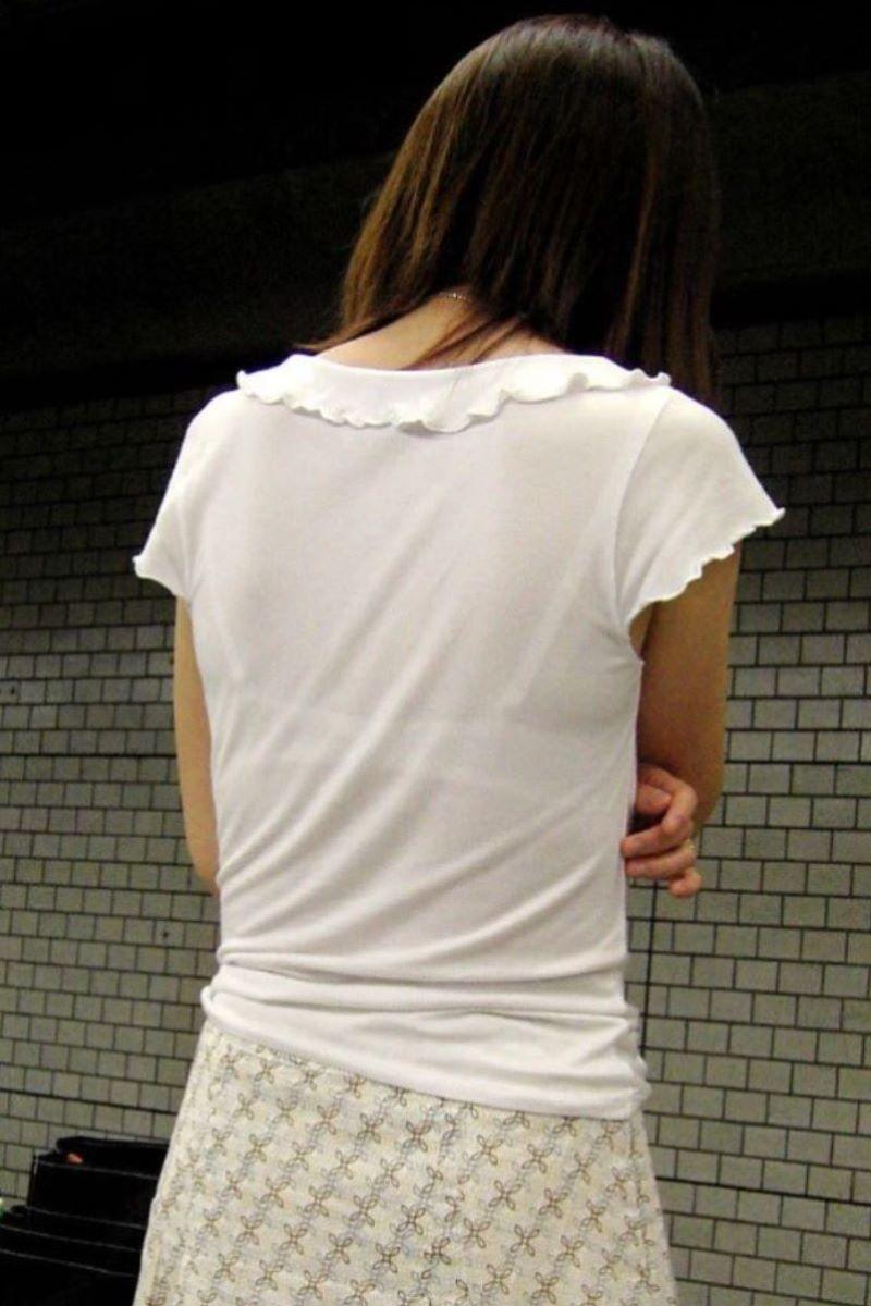 熟女 透けブラ 画像 15