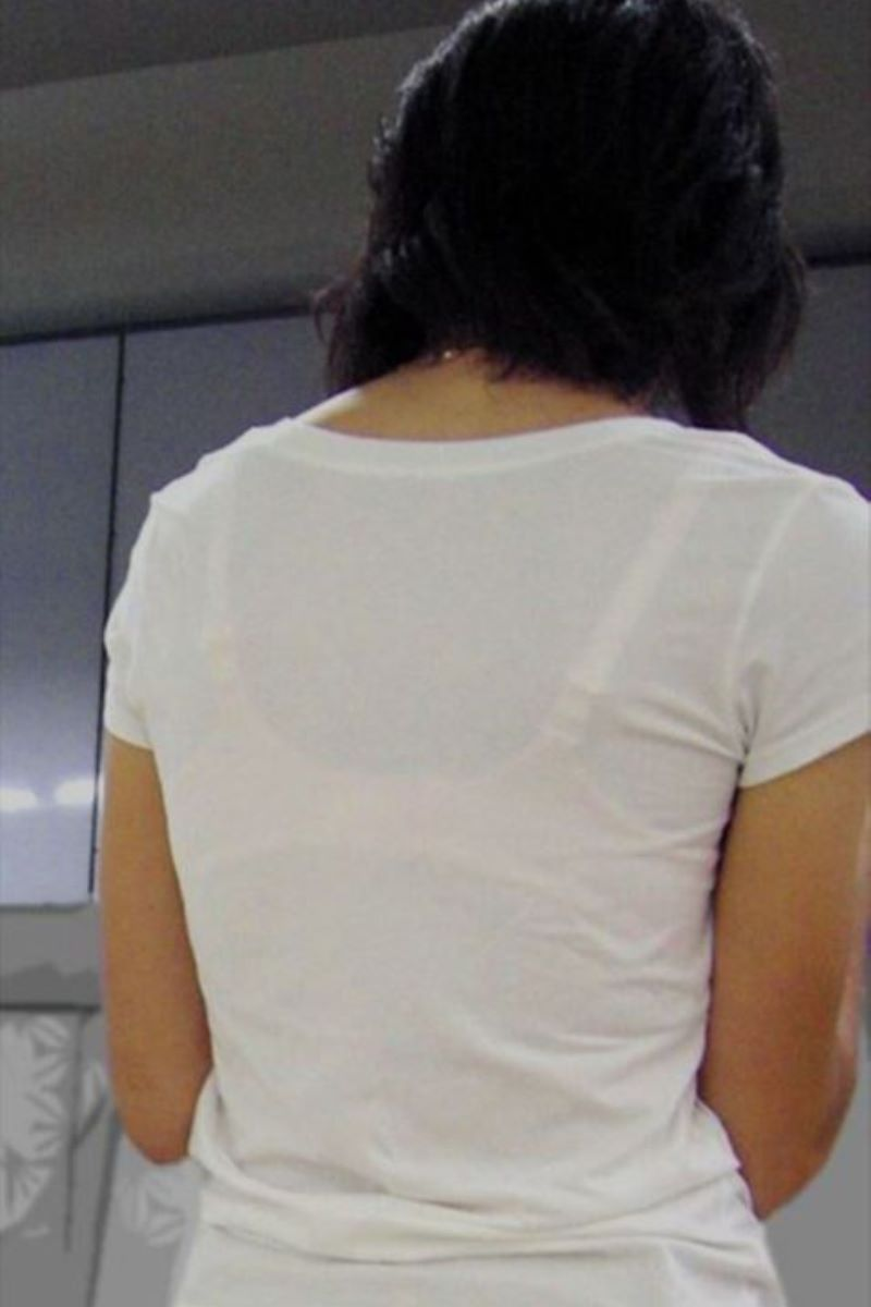 熟女 透けブラ 画像 62