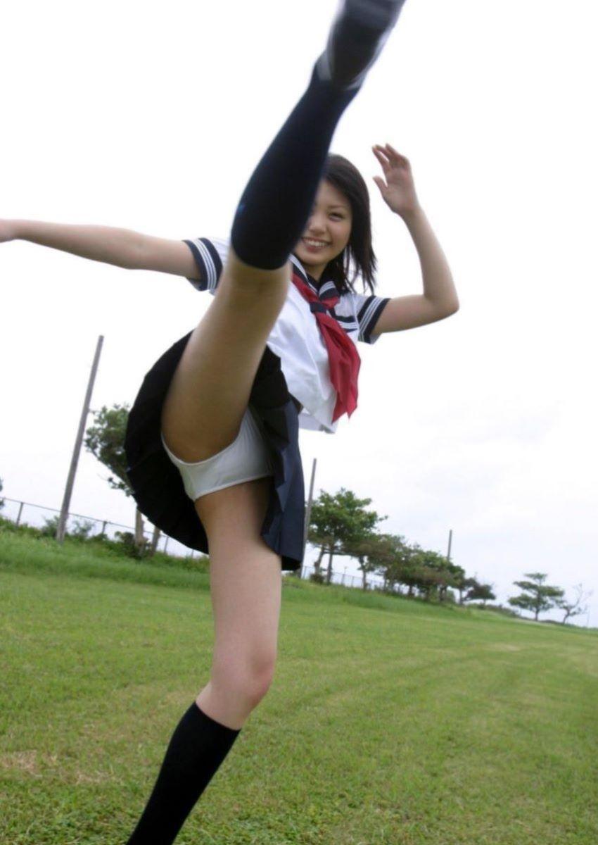 蹴り パンチラ キック JK画像 37