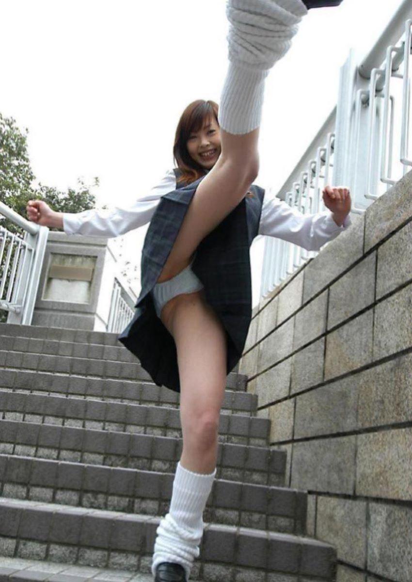 蹴り パンチラ キック JK画像 64