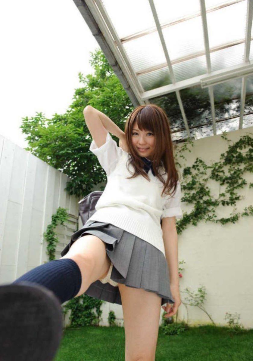 蹴り パンチラ キック JK画像 92