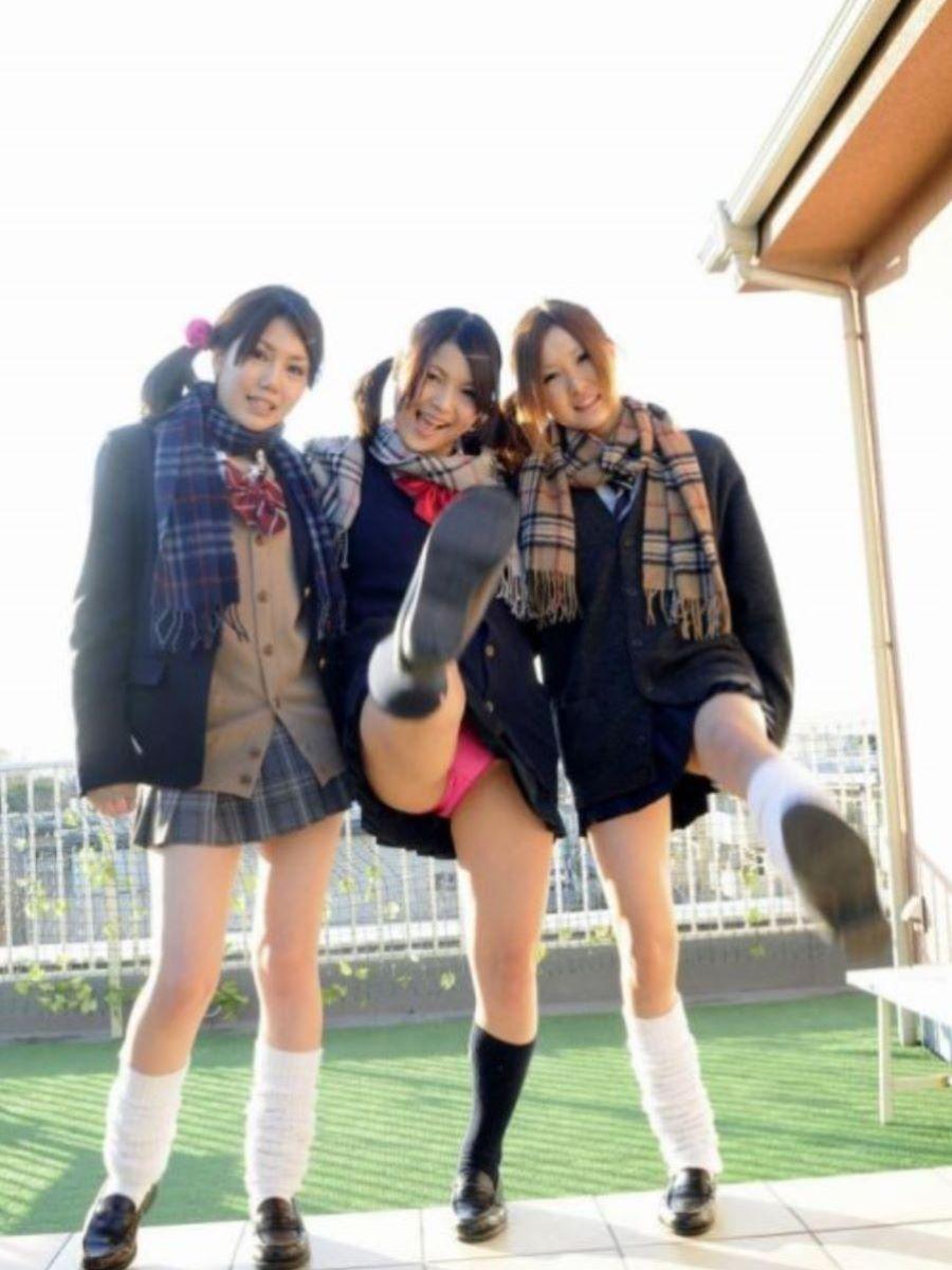 蹴り パンチラ キック JK画像 107