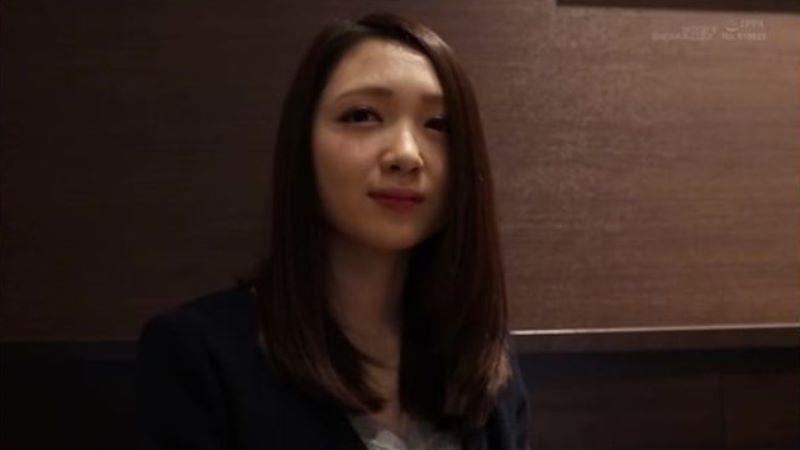 初心な人妻 伊東かな 画像 23