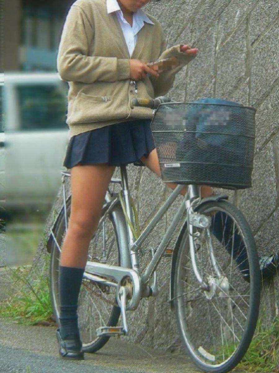 自転車通学 ミニスカ JK画像 2