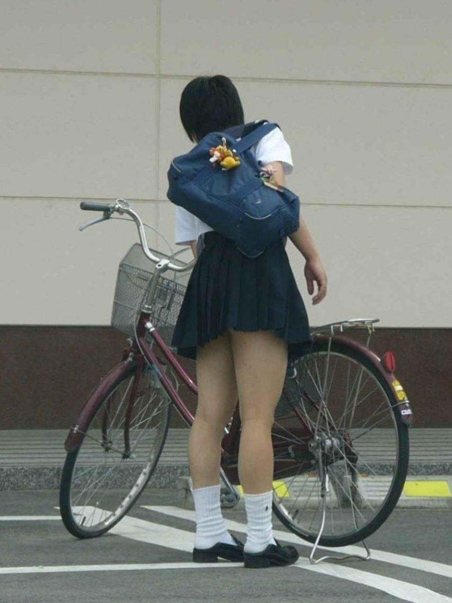 自転車通学 ミニスカ JK画像 5
