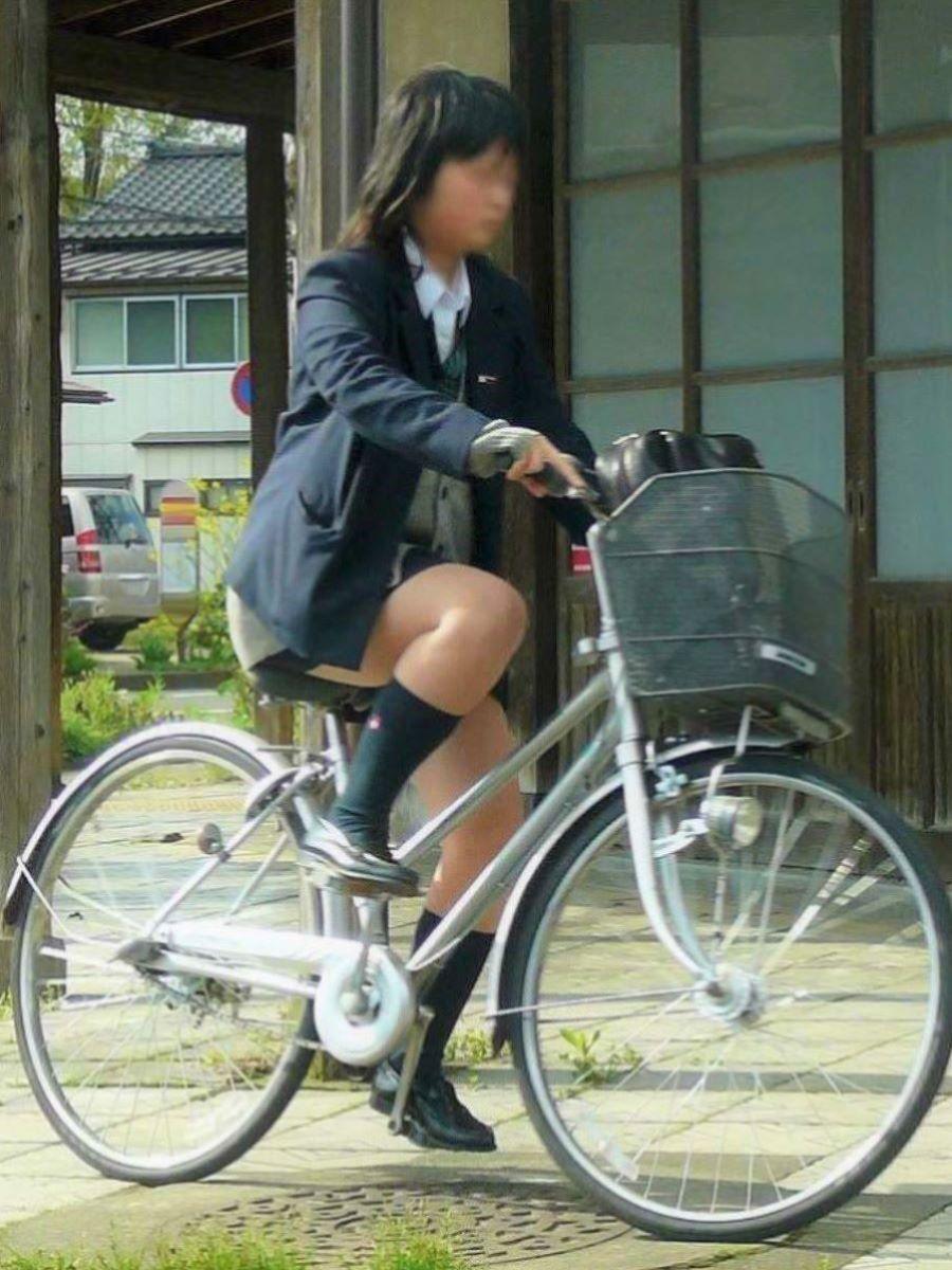 自転車通学 ミニスカ JK画像 7