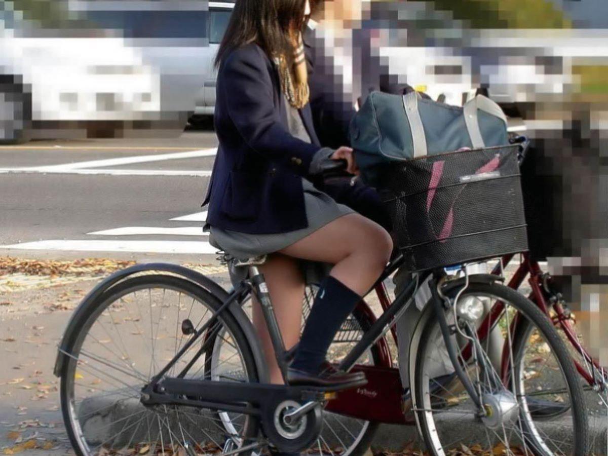 自転車通学 ミニスカ JK画像 11