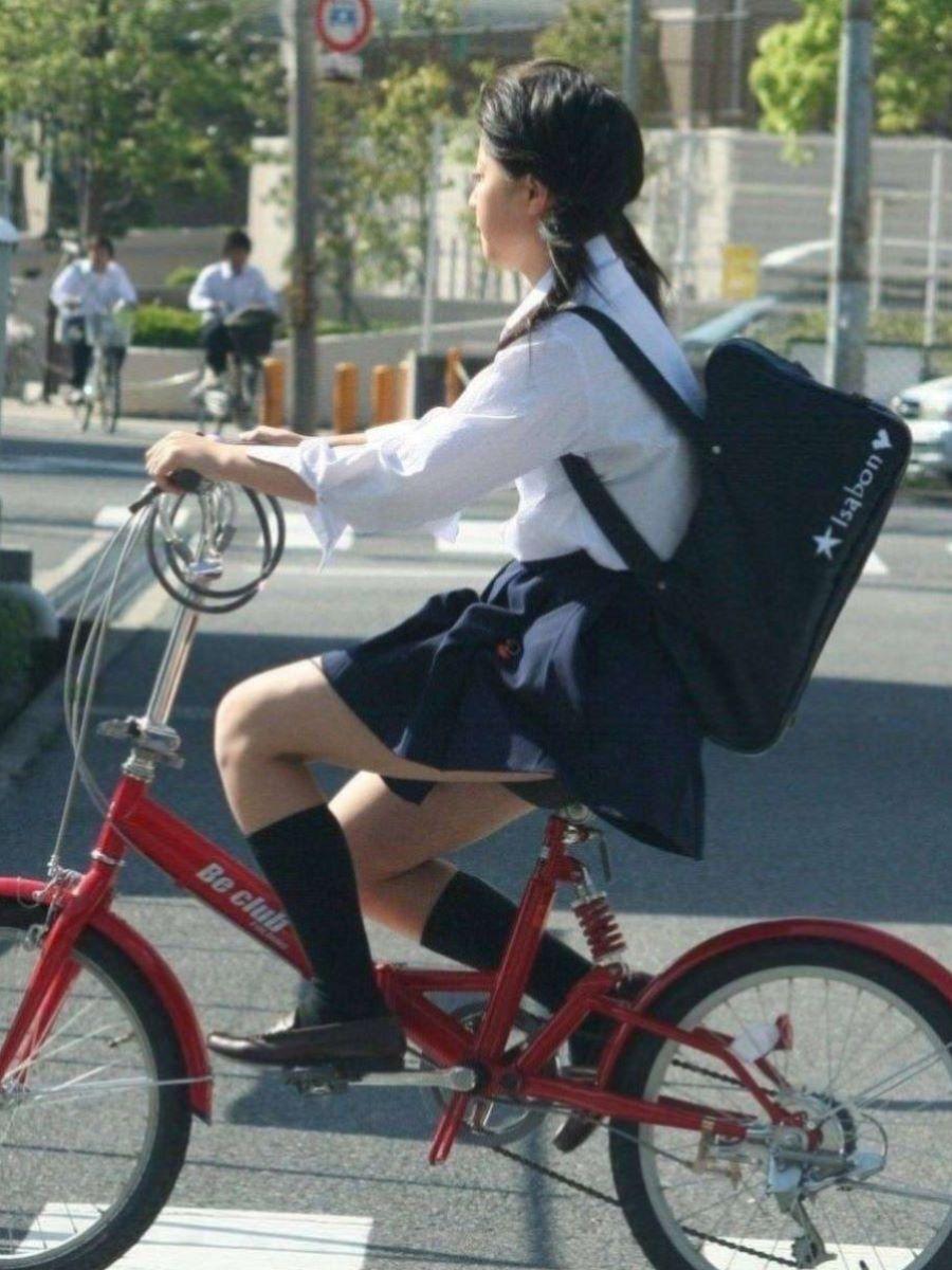 自転車通学 ミニスカ JK画像 12