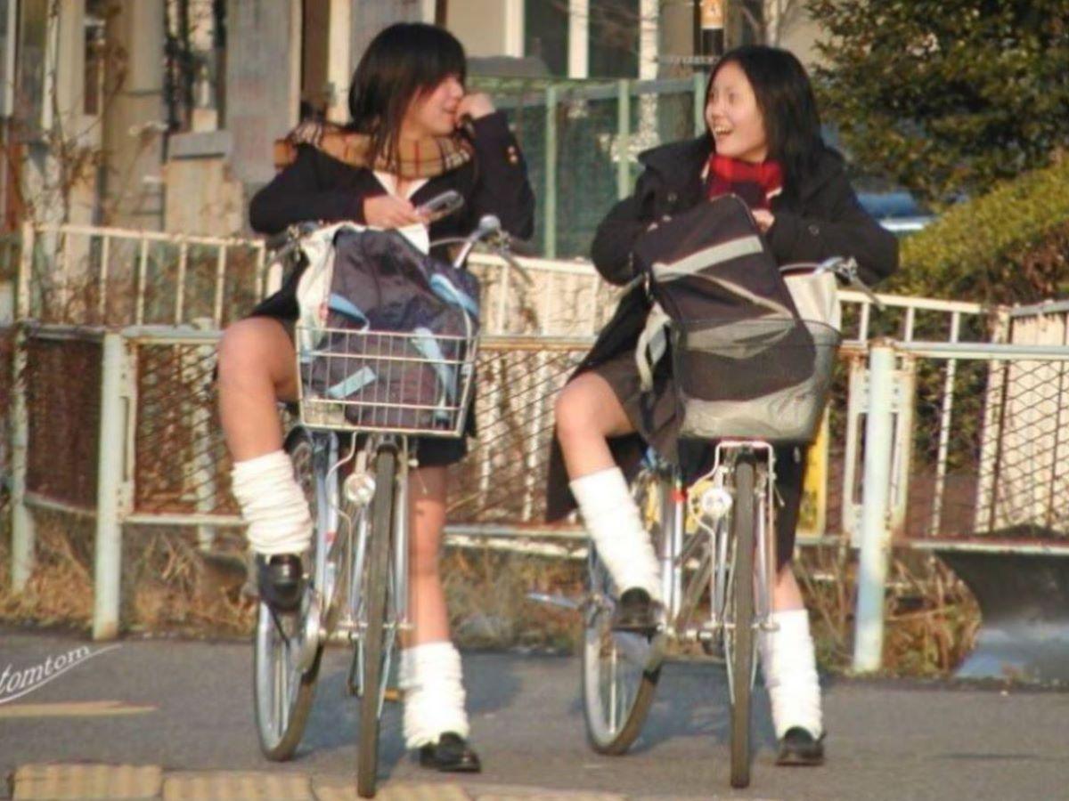 自転車通学 ミニスカ JK画像 16