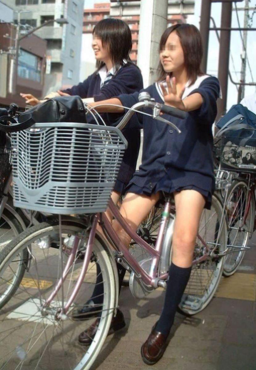 自転車通学 ミニスカ JK画像 18