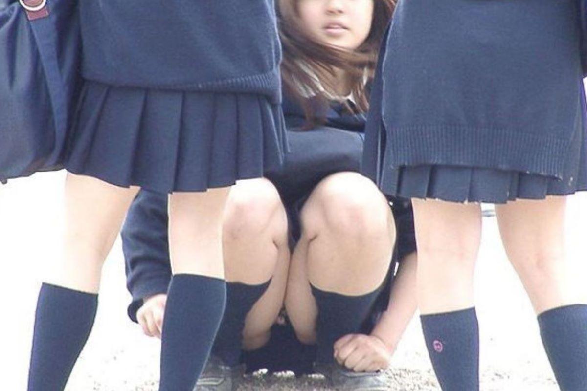 しゃがみパンチラ 制服JK画像 108