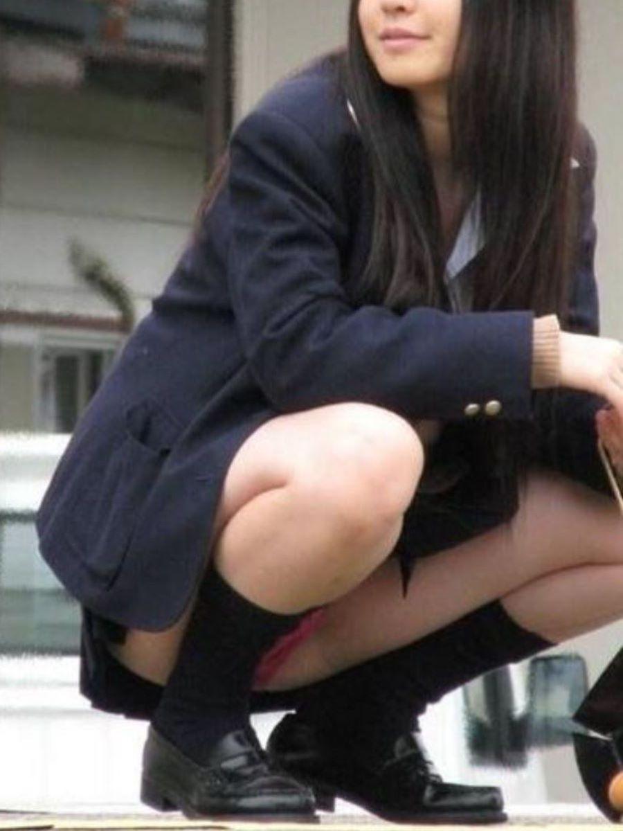 しゃがみパンチラ 制服JK画像 110