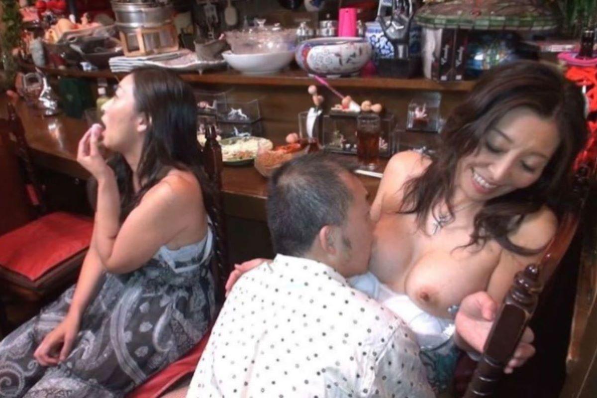 人妻 乳首責め 画像 12