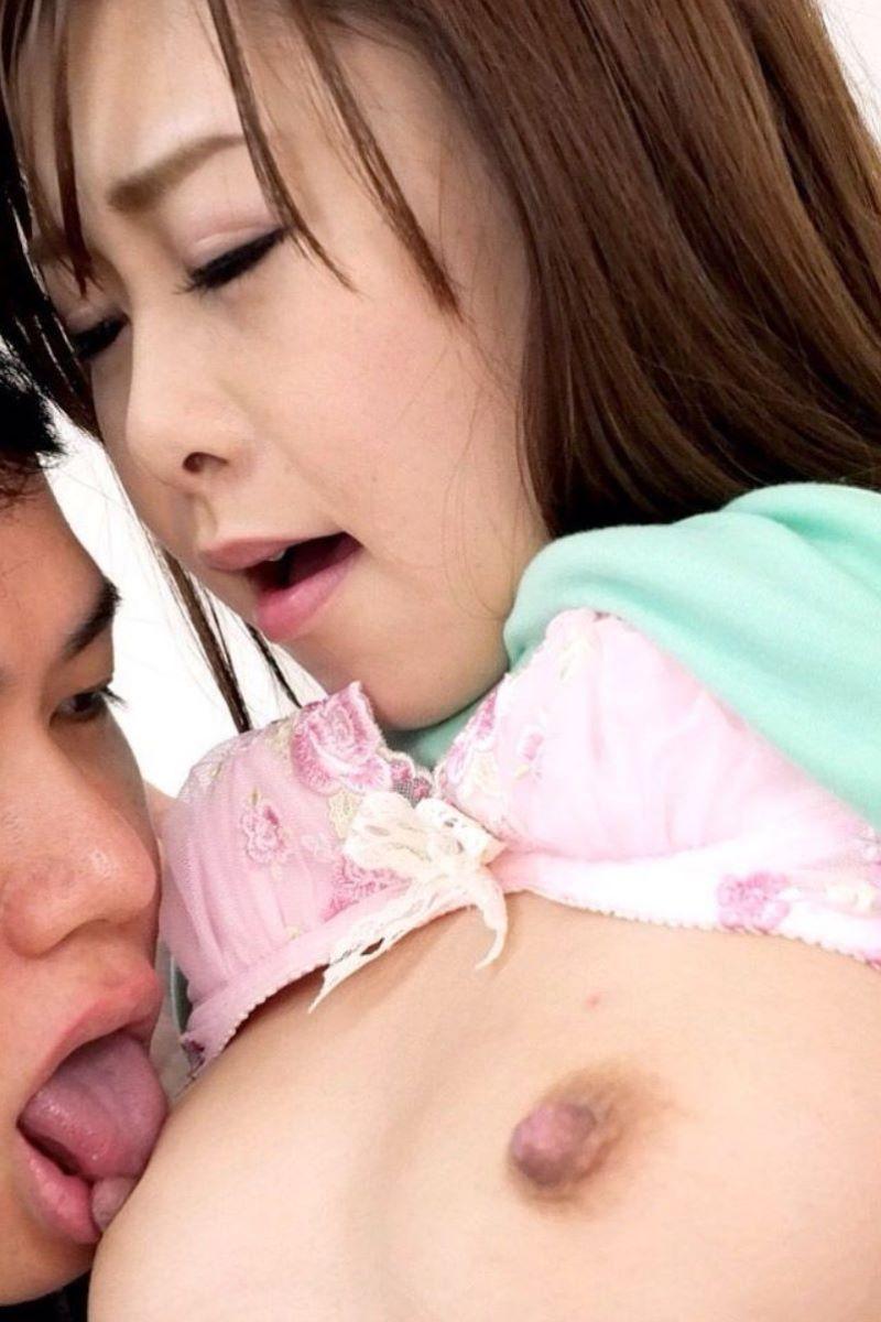 人妻 乳首責め 画像 21